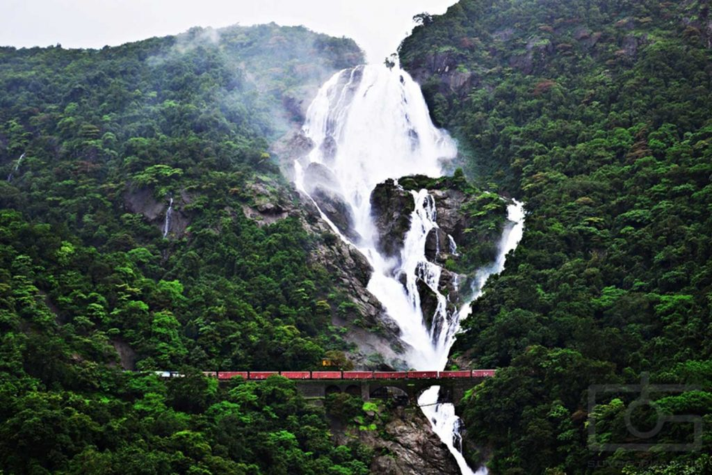 India Natural Wonders - Cascade Waterfall