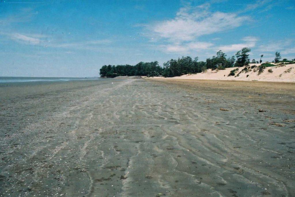 India Natural Wonders - Hide and Seek beach