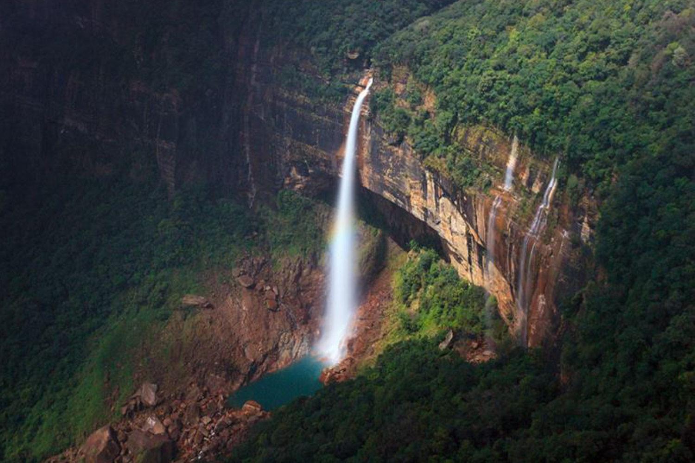 Interesting Places In India-India's highest waterfall - Nohkalikai Falls