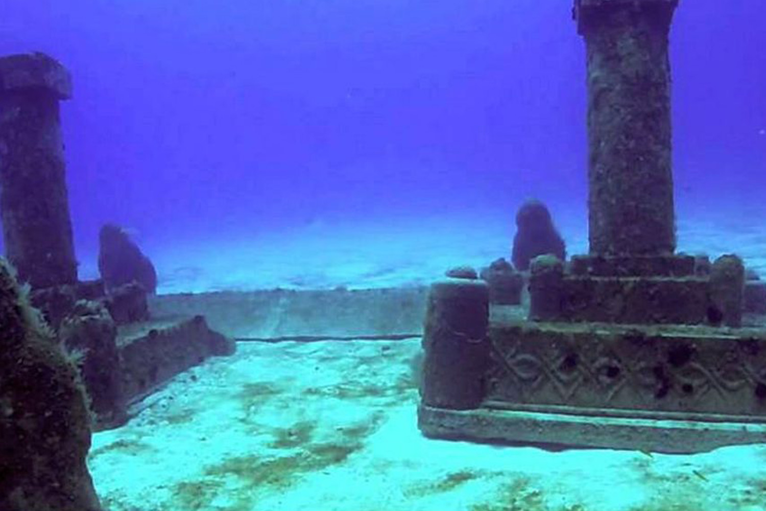 Interesting Places In India-The Submerged City – Dwarka