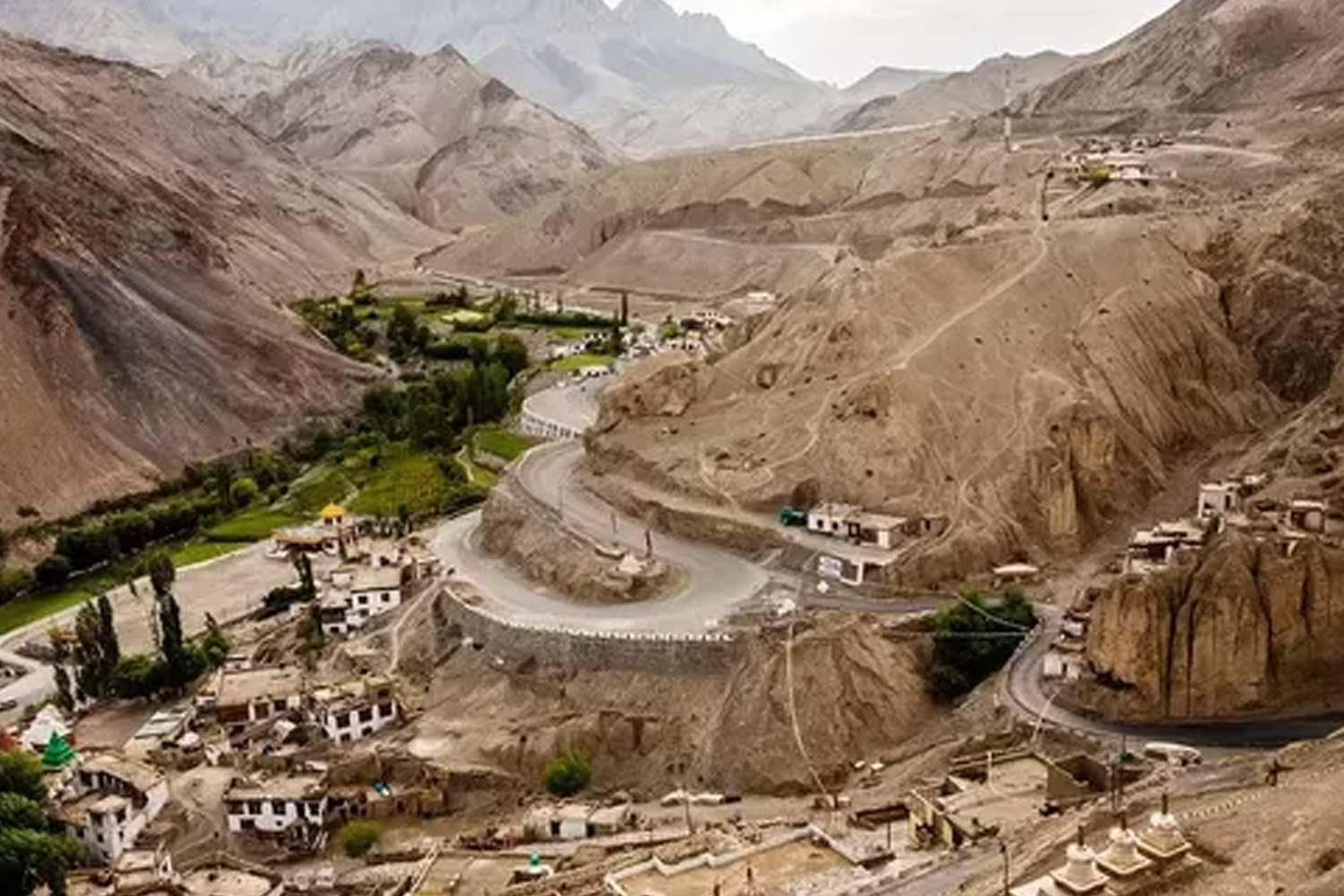 Roads in India Which Are As Deadly As Beautiful-Khardungla Pass